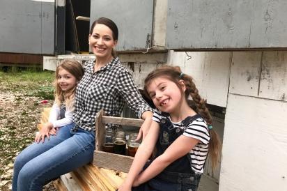 Niece Kenzie Dunn, sister Katie Huntley, and Emma Chapman
